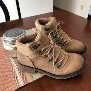 New Sugar beige boots size 8